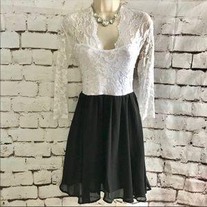 HADDUOYI Sz L White lace black skirt party dress